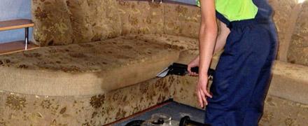 Химчистка трехместного дивана
