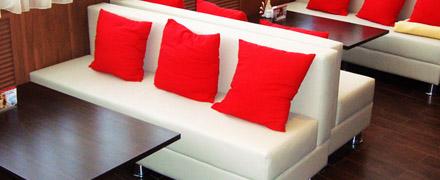 Химчистка диванов в кафе и ресторанах